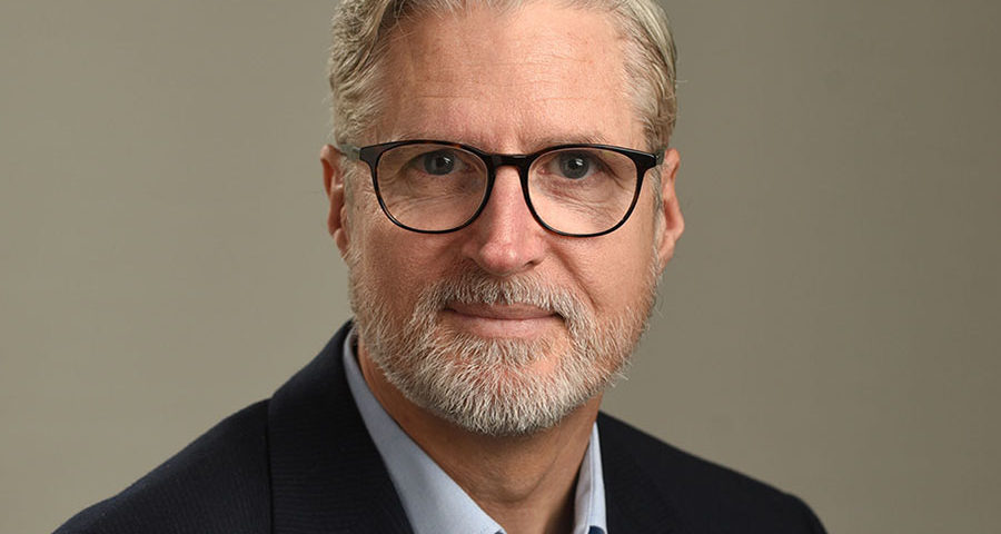 Professional linkedin profile headshot